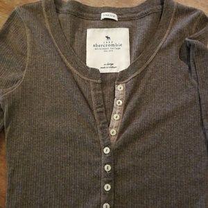 Trendy Abercrombie distressed shirt XL
